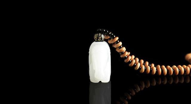 禾田羊脂籽料-唐式戰馬手把件
