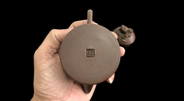 老紫泥-一廠直身桃子壺