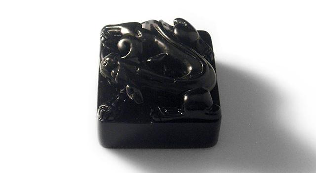 壽山豆耿石-漢螭璽鈕正方章